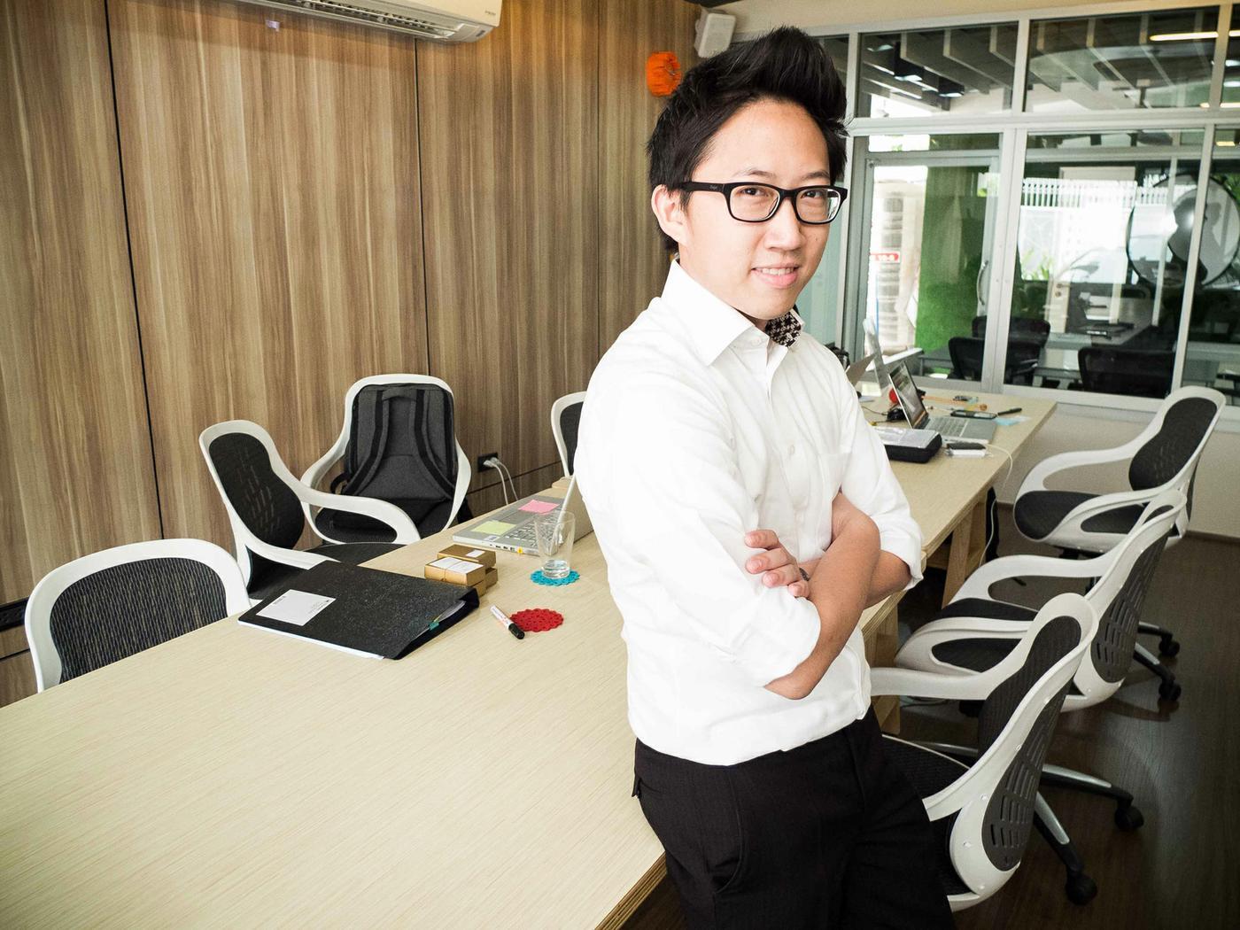 Conheça Amarit Charoepnphan, um otimista sobre a expansão do coworking no mundo