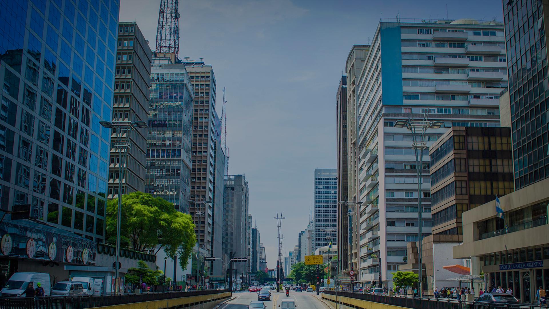 Avenida Paulista atrai empresas por ser o coração da cidade